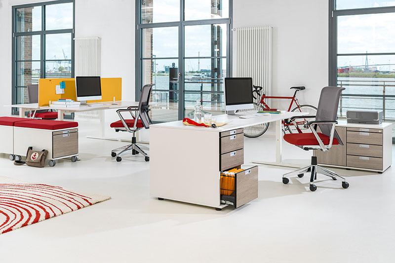 Kleurrijke bureau