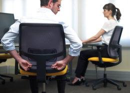 Ergonomische stoel beschermt de rug