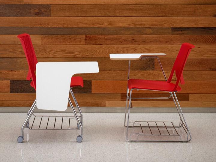 Rode stoel in de klas
