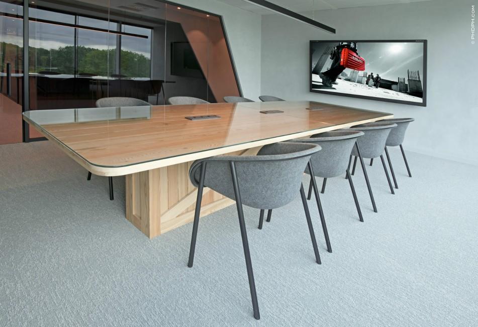 Vergadertafel met hout en glas