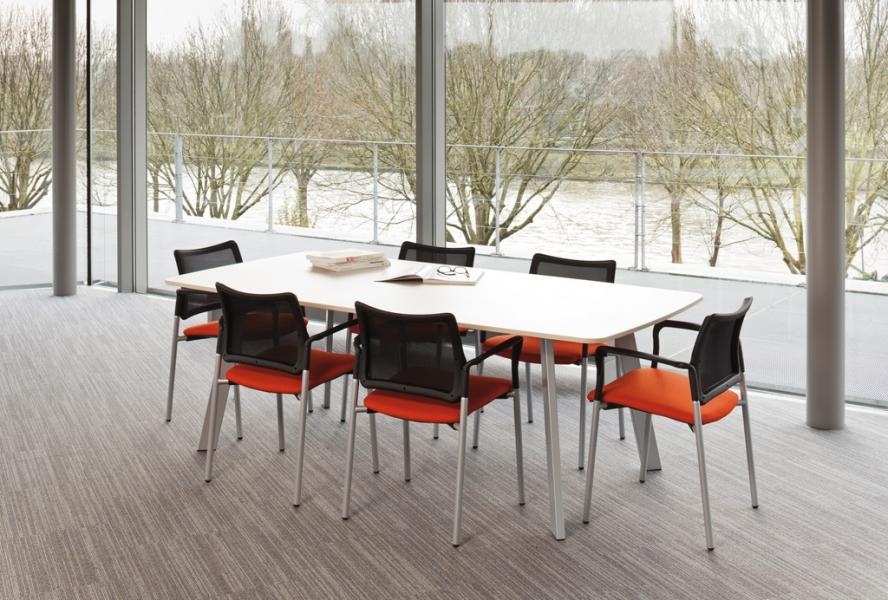 Vergader tafel met hout